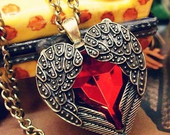 Love heart pendant necklace red hearts antique look fashion