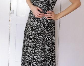90's Black & White Button Down Knee-Length Dress