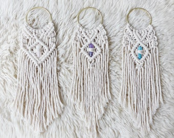 Macrame Wall Hanging With Crystal / Modern Macrame  / Valentine's Gift / Boho Wall Hanging / Nursery Decor / Valentine's gift