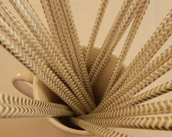STRAW box with silver zigzag pattern
