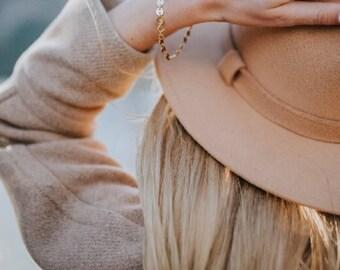 Gold Button Bracelet - Gold Chain Bracelet- Bridesmaid Jewelry - Gold Jewelry - Romantic - Wedding Jewlry - Valentine's Day gift
