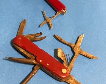 2 Multi Tool Pocket Knives