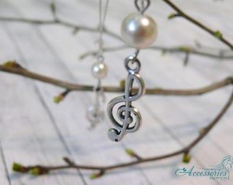 White Music earrings Treble clef earrings Music jewelry Note earrings Music gift Treble clef jewelry Treble clef charm Silver treble clef