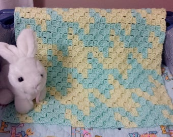 Houndstooth c2c Baby Afghan