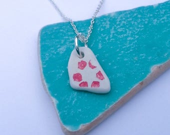 Red floral patterned sea pottery necklace