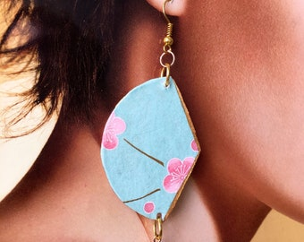 Japan, Washi paper earrings, blue faceted agate, pink crystals. Spring 2018 is coming!