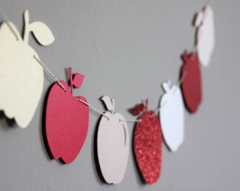 Red apples garland for the Jewish new year | An assortment of apples for Rosh Hashana or Thanksgiving dinner | Jewish holiday decoration