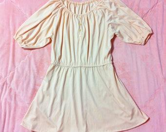 1970s Vintage Pastel Peach Dress, 70s Vintage Pastel Peach Off Shoulder Peasant Dress, Vintage Pastel Dress