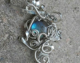 Abstract Silver wire wrapped Blue FLASHY Labradorite