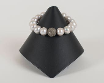 Pave diamond and grey freshwater pearl bracelet