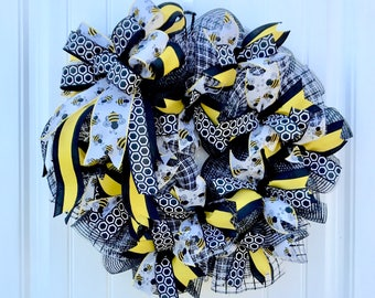 On sale for a limited time! deco mesh wreath, bumble bee wreath, Spring wreath, Summer wreath, bumblebee wreath, bumble bee decor