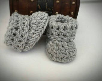 Crochet Baby Booties, Gray Baby boots, Acrylic and Wool boots, Comfy boots, Gift Idea, Baby shower gift, Baby shoes, Newborn