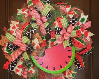 Watermelon wreath. Summer wreath. Welcome wreath. Front door wreath. Front door decor. Watermelon door hanger