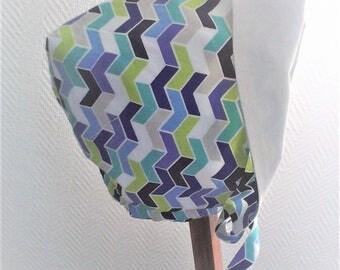 Béguin,bonnet bébé,N 19 ,en tissu japonais bleu et blanc ,réversible ,taille 3-9 mois ,fait main .