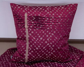 Cushion cover Red/gold with Biesen 40 x 40 cm