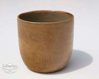 Yunomi, tea or coffee cup by KaouennCeramics