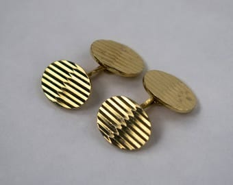 Menswear cuff links gold engraving mid century 70s 1970
