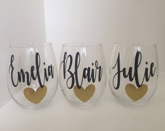 Personalized Bridesmaid Wine glasses | Personalized Name Wine Glass | Bridesmaid Gift | Maid of Honor Gift | Wedding Gifts