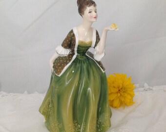 ROYAL DOULTON FIGURINE  fleur hn 2368