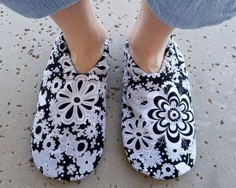 Women's Black & White Flower Soft Sole Shoes