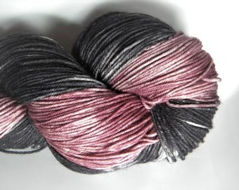 Cara Mia 4 ply sock yarn