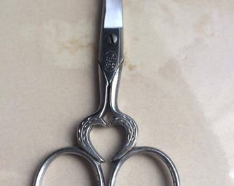 Scissors embroidery Vintage