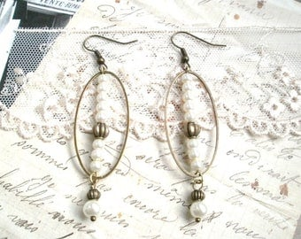 Earrings dangle retro vintage and romantic brass and Pearl glass beads