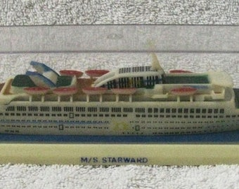 Vintage Cruise Ship Coaster MS VISTAFJORD Caribbean - Starward cruise ship