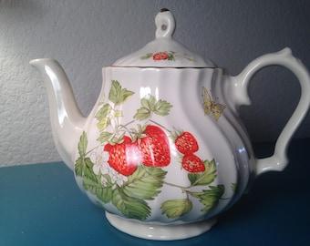 Stunning Churchill Strawberry tea pot, made in Romania