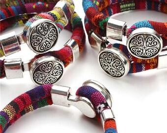 2017 New Bohemian Bracelets Fashion Cotton Core Cords Tibetan silver Clovers Snap Button Bracelet Jewelry for Women Gift F2824