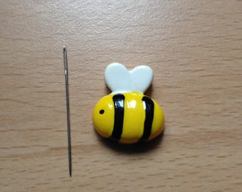 Buzzy Bee Needle Minder