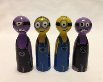 Set of 4 Minions-- Wooden peg dolls-- 5cm tall Minions