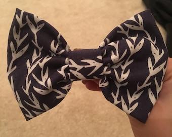 Vine Printed Hair Bow