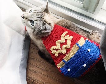 "8"" crochet Wonder Woman cape - made to order (for small animals or dolls)"