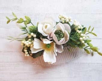 Floral white and pale pink flower hair comb