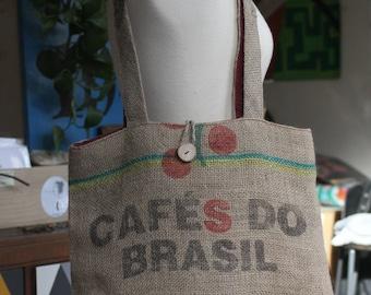 Bolso en tela de saco de café y forro de lino color burdeos