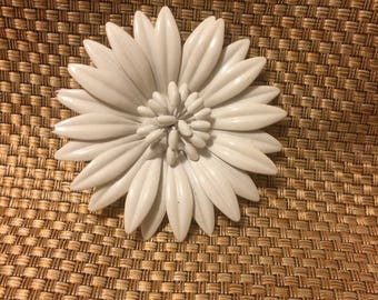 White mod flower brooch