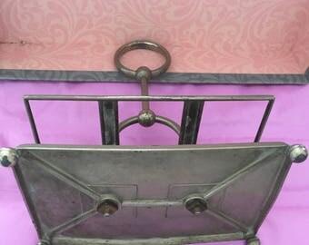 Vintage metal serviette holder - tired