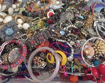 9.5 Pounds Vintage & Mod Broken Jewelry Findings Lot Costume / Fashion Upcycle Crafting Making Supplies Destash Junk Tangled Rhinestone +