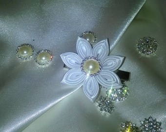 Flower hair clip made kanzashi way in Ribbon with white satin and pretty silver rhinestones