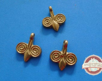 3 charms Golden ethnic 14x16mm