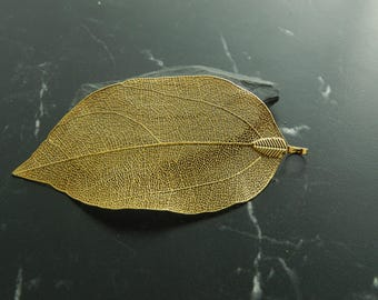 1 201 golden leaf charm pendant