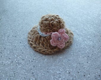 1 miniature hat, mini hat in Ecru thread