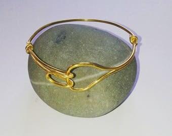 Gold aluminum wire loop bracelet