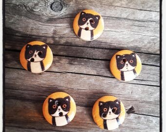 SET OF 5 WOODEN CAT 15MM BUTTONS