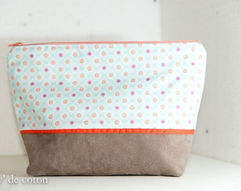 Beige, orange and green woman zipped pouch