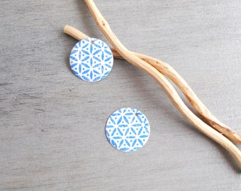 Set of 4 sequin enamelled blue and white (one side pattern and a solid)