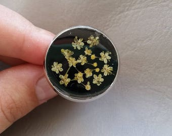 Round Ring 2.5 cm in resin and dried elder flowers