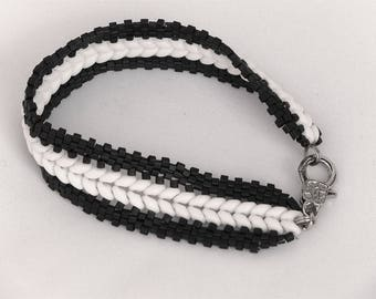 Bracelet - beautiful spike black & white