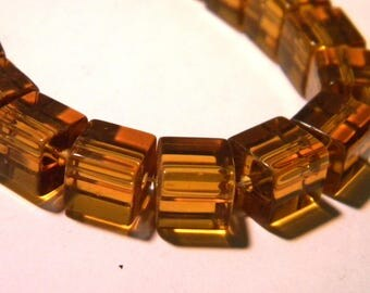 35 beads - cube with 8 mm - Crystal way - amber clear-K22-4